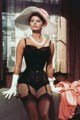 Italian actress Sophia Loren as Epifania Parerga in 'The Millionairess' directed by Anthony Asquith, 1960. (Photo by Silver Screen Collection/Hulton Archive/Getty Images)